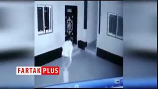 رقص عجیب سارق جلوی دوربین مداربسته به منظور درآوردن حرص صاحب خانه!