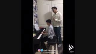 تمرین پیانو در کلاس