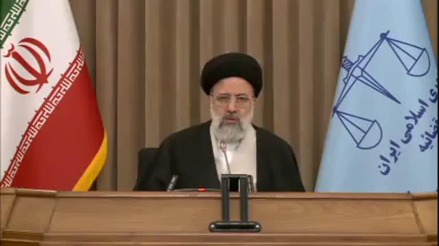 انتقاد آیت الله رئیسی از شیوه اجرای طرح گرانی بنزین