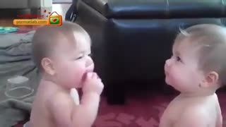 مجادله پستونکی دو کودک