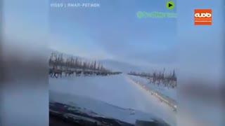 عبور 3 هزار گوزن از وسط بزرگراهی در سیبری روسیه و ایجاد اختلال در رفت و آمد خودروها
