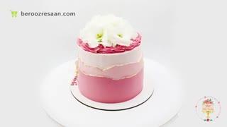 کیک صورتی با تزیین گل لیسن توس سفید شیرین کده یاس-به روز رسان