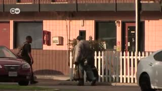 How poor people survive in the USA | DW Documentary
